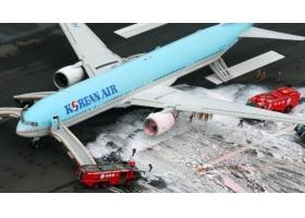 สุดระทึก! บินโดยสารโคเรียน แอร์ ไฟไหม้ปีกซ้าย กำลังทะยานออกจากโตเกียว